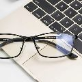 ブルーライトをカット! PCメガネで目を守れ!