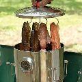燻製器でどんな食材も風味アップ。アウトドア&インドアで活躍する16品