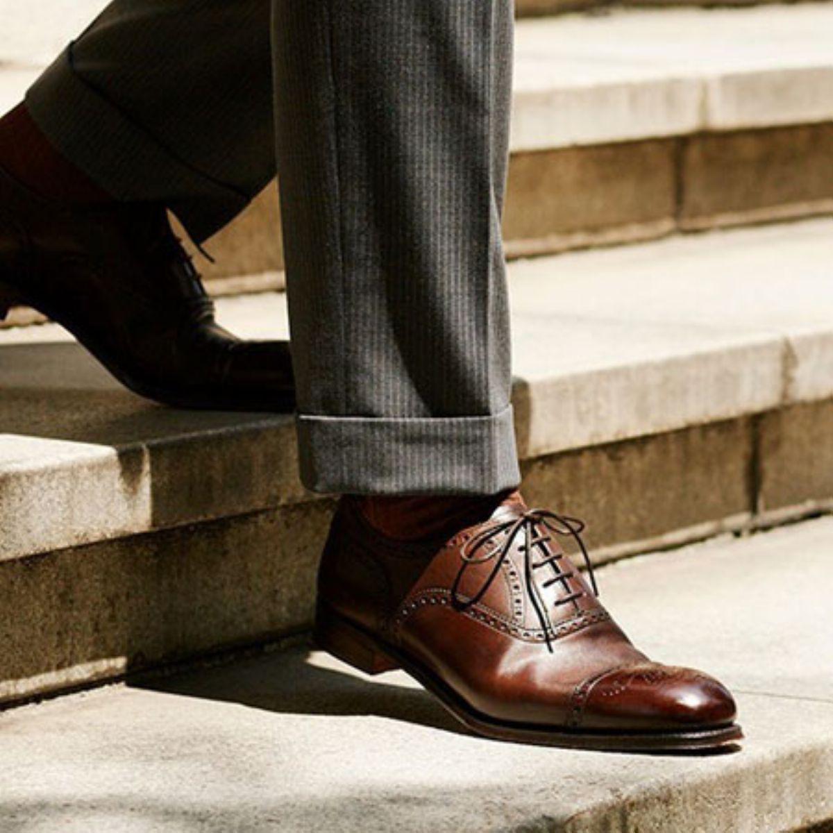 茶色 靴 メンズ コーデ 夏