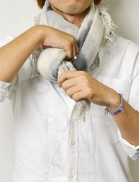 ▼巻き方4:首元を柔らかく包み込む「ボリューム巻き」 4枚目の画像