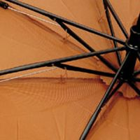 品よく真面目な『スノーピーク』の意匠は、折りたたみ傘にも顕著 2枚目の画像