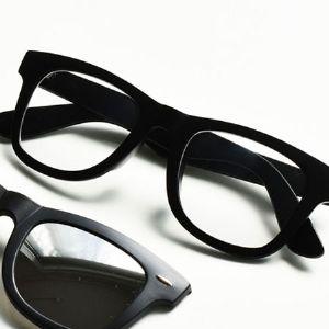 クラシカルで知的。ウェリントンメガネのおすすめブランドとコーデ術