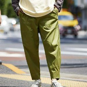 ワイドシルエットが今っぽい。ベイカーパンツが大人の着こなしに似合う