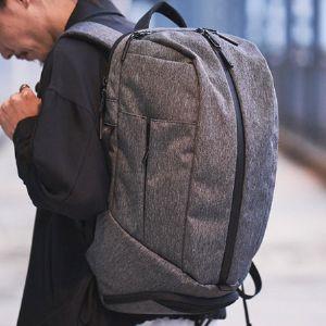 人気に納得。エアーのバッグは見た目も機能も大人向け