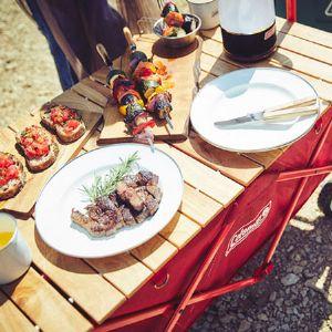 アウトドアテーブルは外でも中でも出番アリ! おしゃれで機能的なアイテム10選