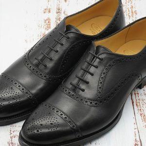 革靴の紐の結び方。定番のシングルとパラレルを解説