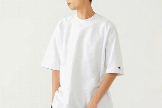 白Tシャツを大人っぽく着こなす。おすすめ10ブランドと季節別コーデ