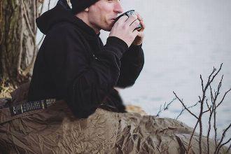 はじめてのキャンプで選びたい、春から秋まで長く使えるシュラフ