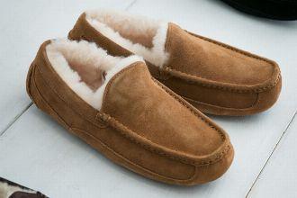 アグ(UGG)の人気靴15選。ブーツもシューズも暖かくて履き心地抜群だ