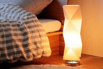 実は簡単。間接照明を賢く使って、くつろぎの空間を作り出す