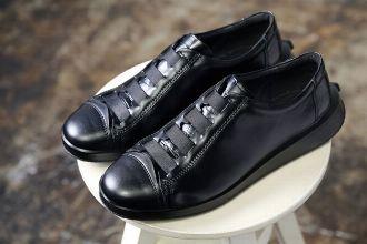 """""""シナリ""""がすべて。半世紀以上にわたる製靴技術が生んだ、新たなコンフォート靴とは"""