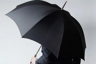 """紳士の持ち物。英国発のフォックスアンブレラは""""現代の傘""""の原点だ"""