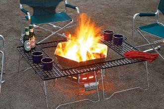 まさに名脇役。焚き火テーブルが盛り上げる、外遊びの夜