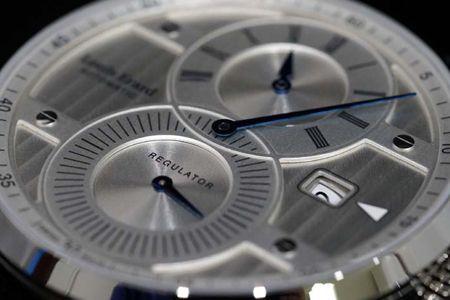 50万円以下の腕時計で求めたい機能2:良心ブランドのプチコン or クロノグラフ