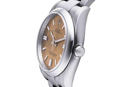 50万円以下の腕時計で求めたい機能1:永世定番と呼べるスタンダードモデルを