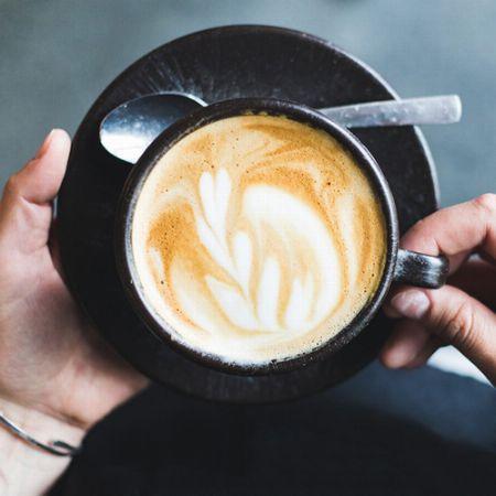 飲み口の広さが鍵になる。ミルク派にもおすすめのカプチーノカップ