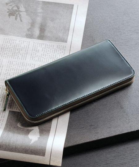収納力の高さは長財布No.1「ラウンドファスナータイプ」