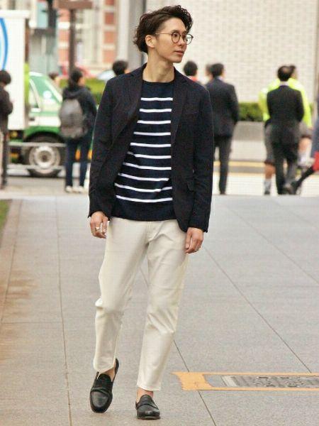 (D)ボーダーカットソー+(G)ホワイトジーンズ+(J)短靴