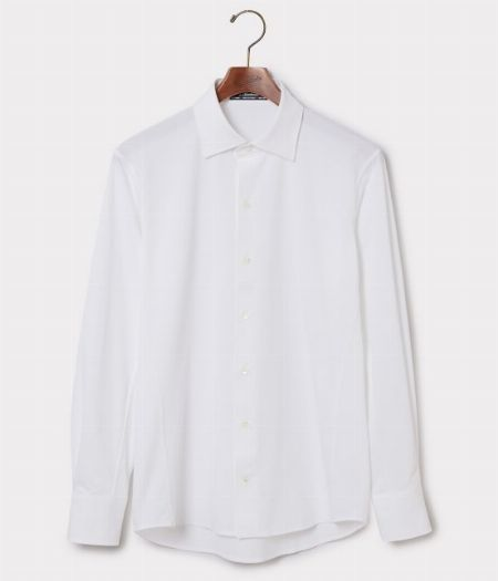 (A)白シャツ