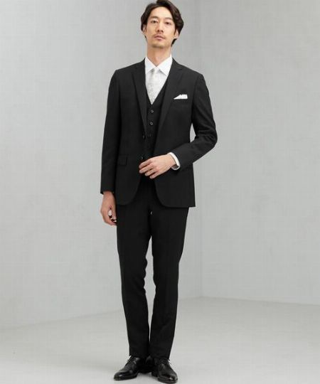 結婚式のスーツを選ぶ前にまず確認。招かれる立場によって異なる礼服の種類