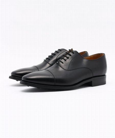 「革靴」はもっともフォーマルなストレートチップで
