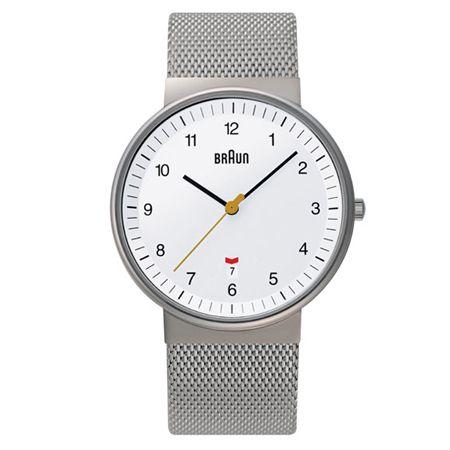 同じBNH0032でも、ホワイト&メタルブレスは優雅な印象