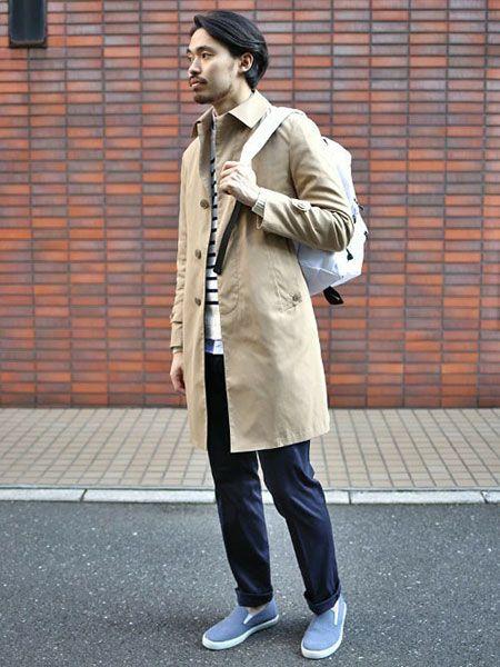 ステンカラーコートを使った、春らしい軽快さを感じさせる基本の着こなし