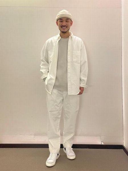 王道のデニム×デニムも、白ワントーンだとこんなに新鮮!