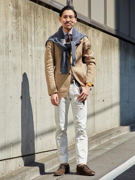 ホワイトデニム攻略の鍵は、清涼感のある着こなしにまとめること