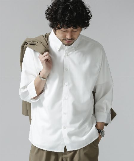 """攻略アイテム2:好印象確実。""""白のシャツorジャケット""""でとことんクリーンに!"""