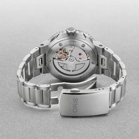 """腕時計への磁気による影響をシャットアウトする""""耐磁性"""""""