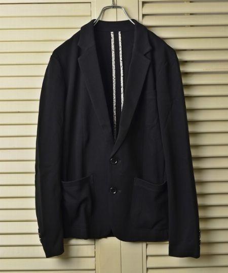 ブラックジャケットを選ぶならこんなタイプがおすすめ