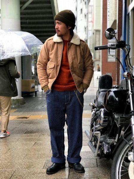 ボンバージャケットを主役にした冬のあったかスタイル