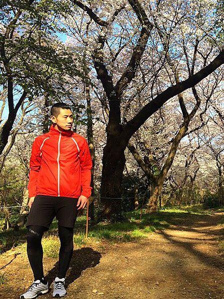 スタイリッシュなジョギングスタイルの好サンプル 2枚目の画像