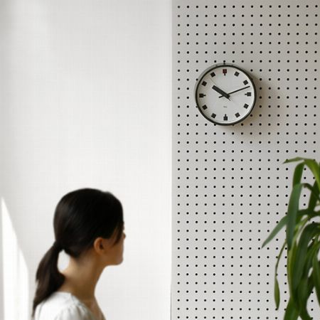 『レムノス』日比谷の時計