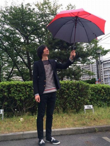 傘のデザインを生かしてコーディネートのスパイスに