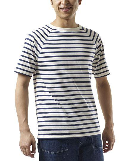 モデル3:サラッと着られる春夏の定番。半袖の「ピリアック」もチェック!