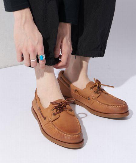 靴下は履くべき? それとも素足が基本? デッキシューズには素足風ソックスが正解!