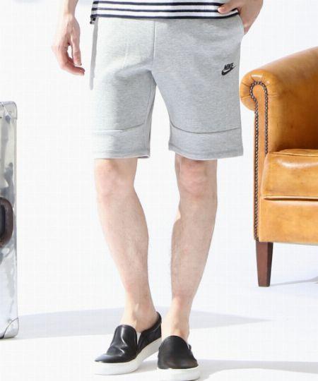 着用アイテムはこのショートパンツ