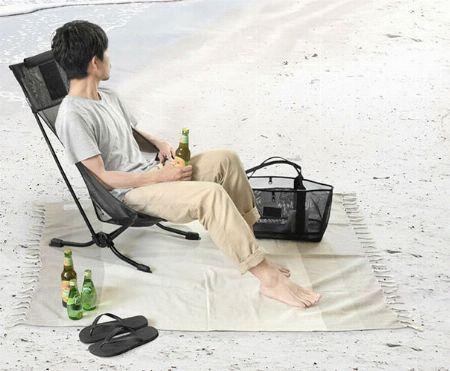 体をすっぽり包む座り心地がクセになる