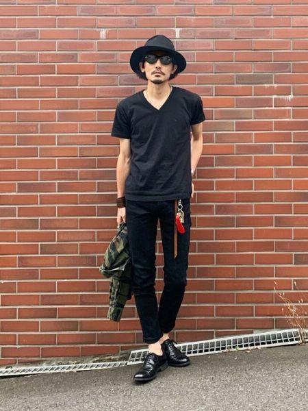 『ボルサリーノ』で品格をプラスする、モノトーンコーデの正装