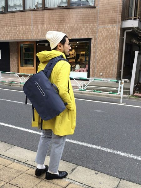 都会的なムードを演出するバッグ選び