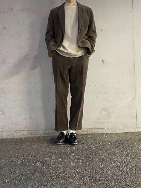 コーデュロイのジャケット&パンツなら大人な装い作りが簡単