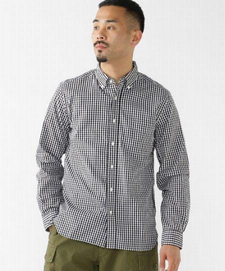 カジュアルシャツは2枚。白やギンガムなら使い回しやすい 2枚目の画像
