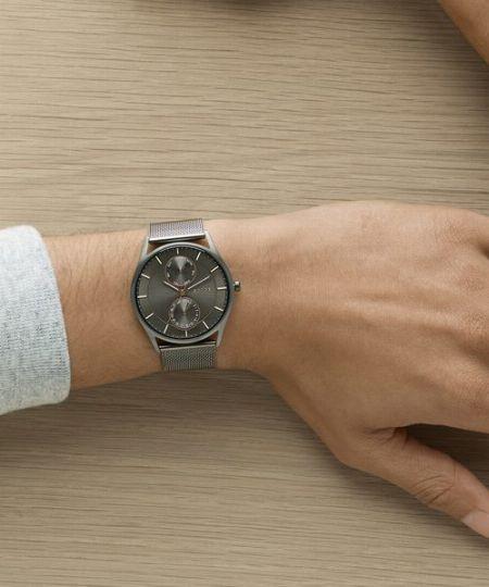 ミニマルな腕時計の先駆け。『スカーゲン』ならではの魅力とは?