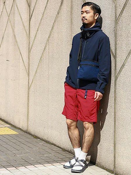 ▼サンダル+靴下で作る、都会派コーデ 4枚目の画像