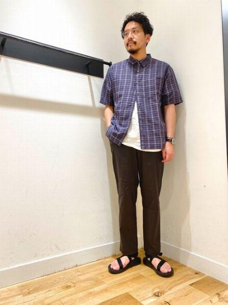 ▼サンダル+素足で作る、リラックスコーデ 2枚目の画像