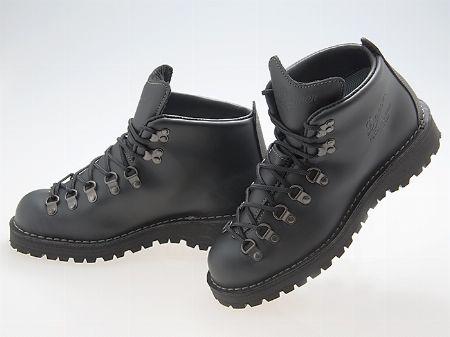 登山靴に活用の幅を生んだ「トレッキングシューズ」