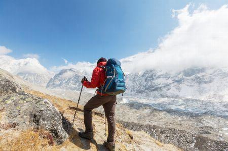 登山靴のなかでも、トレッキングシューズはどんな人のために作られたのか