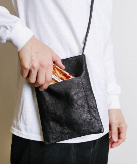 """""""財布と携帯しか持ち歩かない""""という方には「ミニショルダーバッグ」"""